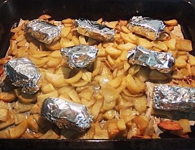 Cartofi cu sunca de casa la cuptor
